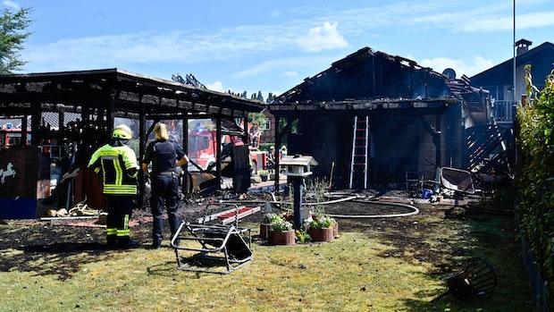 Carport-Brand greift in Holdorf auf Wohnhaus über