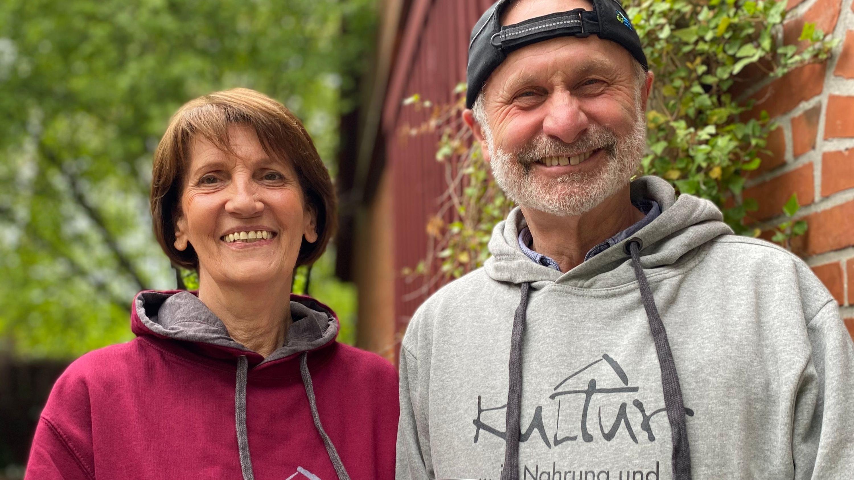 Barbara und Rainer Pagel wollen Kultur und Scheune bei ihren Gästen ins Bewusstsein rufen. Foto: C. Passmann
