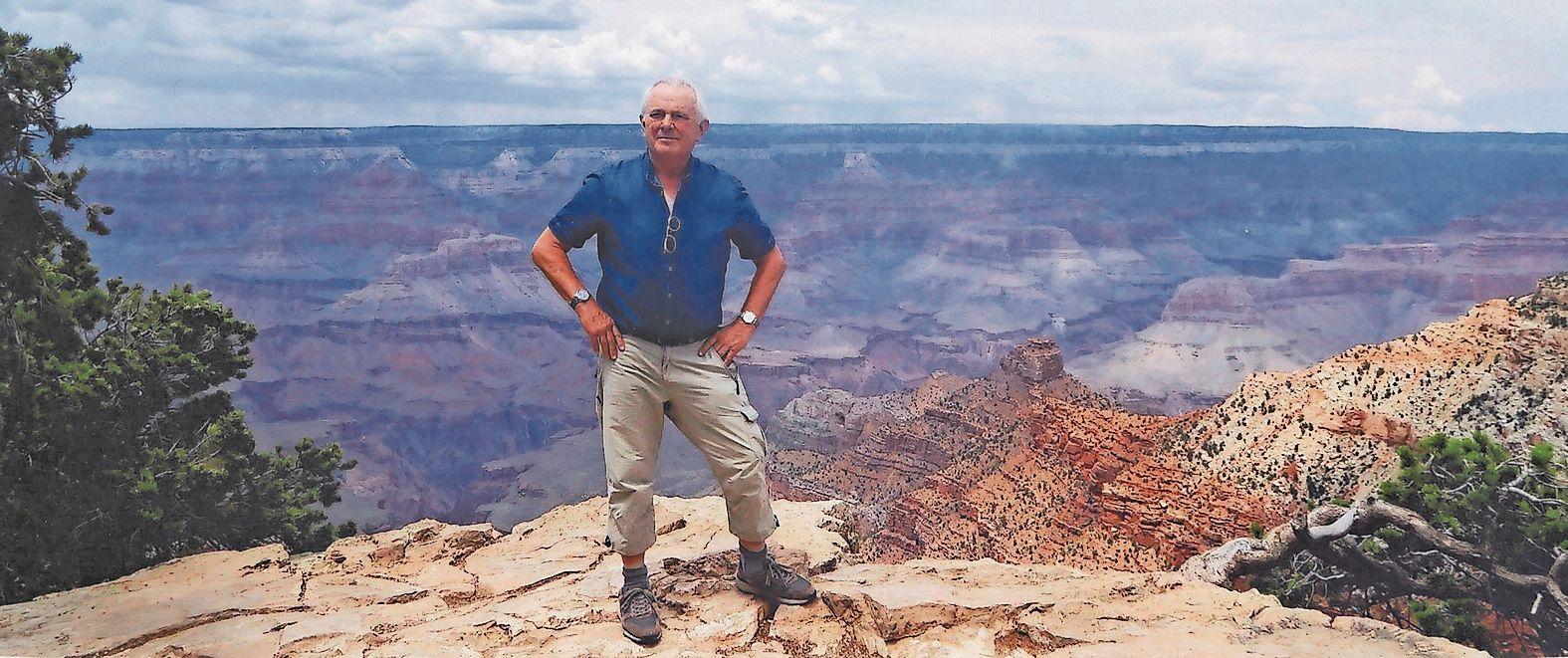 Welch' eine Kulisse: Aloys Ovelgönne im Jahr 2017 vor einem überaus imposanten Panorama im US-amerikanischen Grand Canyon. Foto: Sammlung Ovelgönne