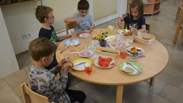 Kindergarten St. Catharina Dinklage bittet zum Frühstück