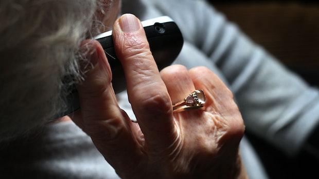 Betrüger gibt sich als Arzt aus und verschwindet mit dem Geld einer 78-Jährigen