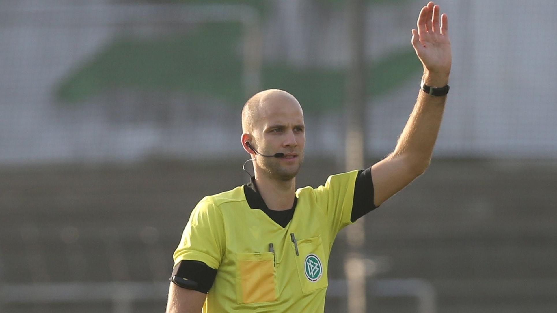 Neue Herausforderungen: Schiedsrichter Franz Bokop. Foto: nph/Tauchnitz