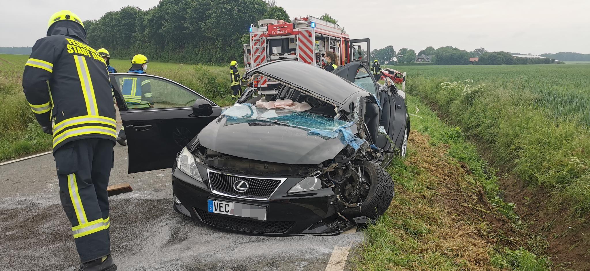 Ein 18-Jähriger ist mit seinem Wagen zwischen Osterfeine und Damme in den Gegenverkehr geraten. Foto: Nordwestmedia TV