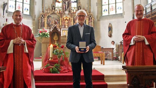 Für sakrale Kunst: Starmann erhält Verdienstmedaille