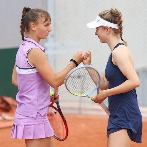 Sieg in der ersten Runde: Mara Guth (links) und Julia Middendorf starteten am Montag mit einem Erfolg in die Doppel-Konkurrenz. Foto: Jürgen Hasenkopf