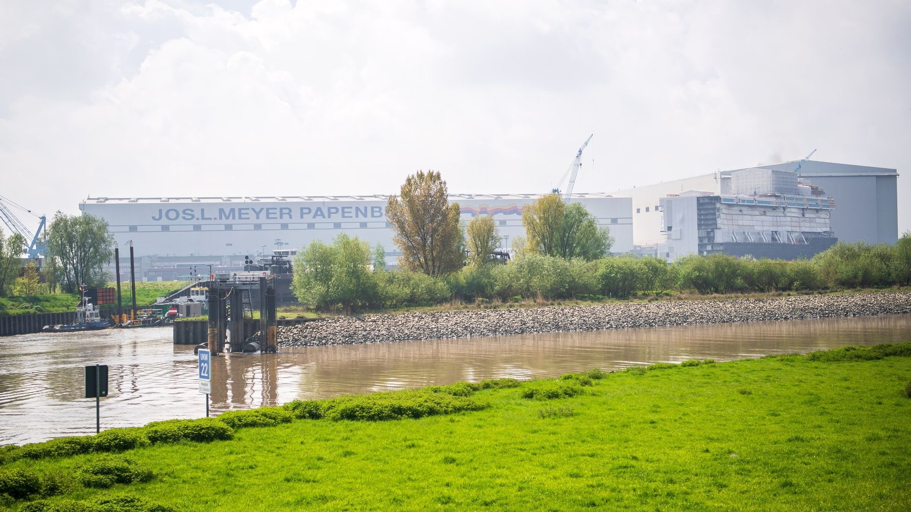 Der Unternehmen leidet unter der geringen Nachfrage nach Kreuzfahrtschiffen. Foto: dpa/Schuldt