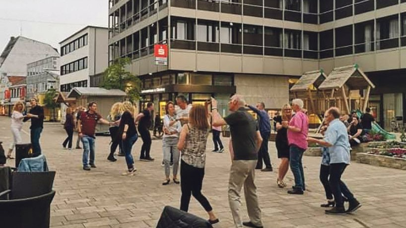 Tanzen in der Fußgängerzone: Zuletzt war die Gruppe in Cloppenburg zu Gast. Foto: Mecklenburg