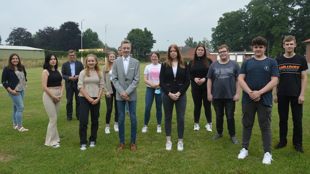 11 junge Löninger sind das Jugendparlament