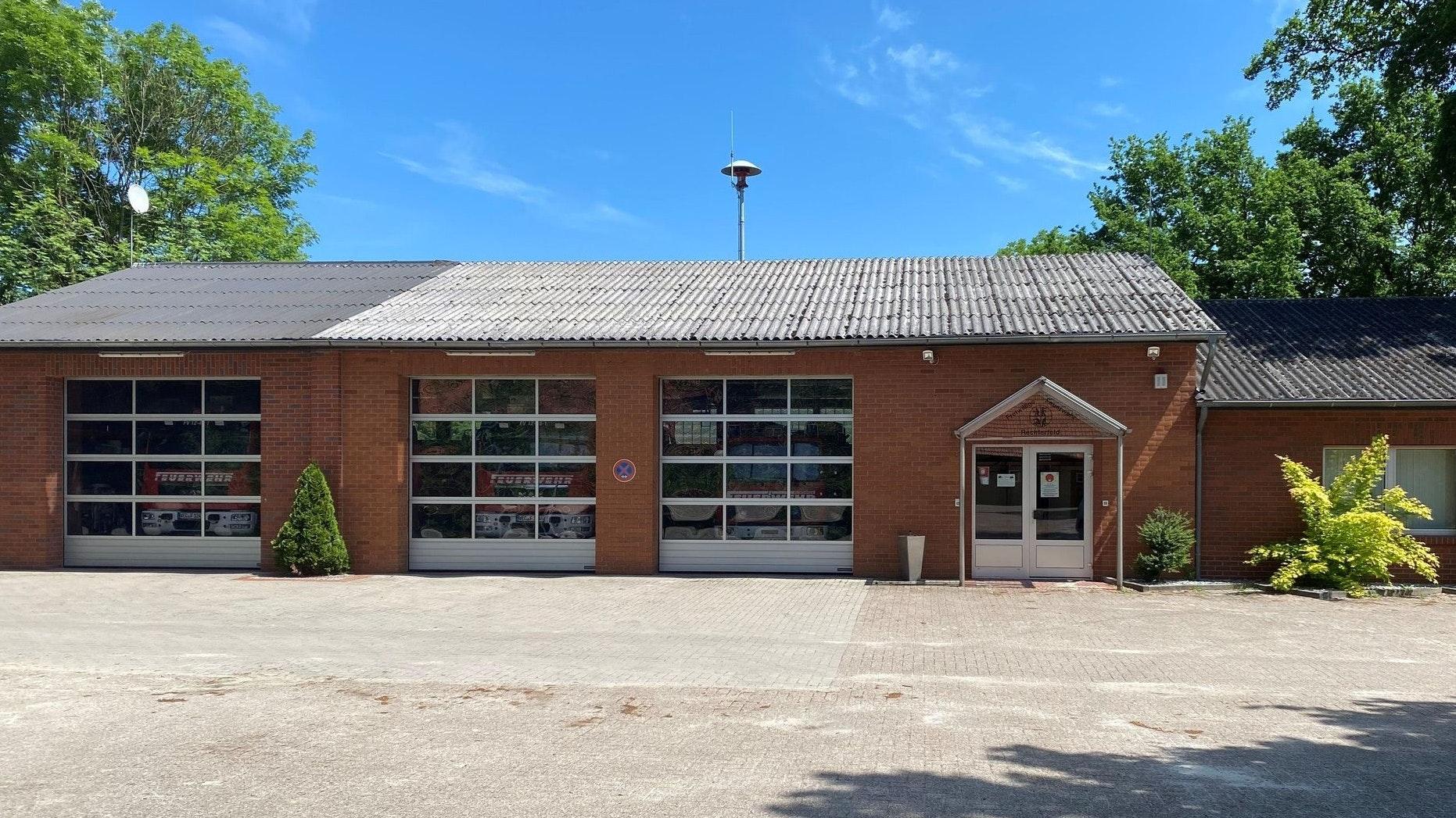 Der aktuelle Standort der Feuerwehr Rechterfeld: Das Gebäude wurde 1979 erbaut. Foto: Reinke/Feuerwehr Rechterfeld