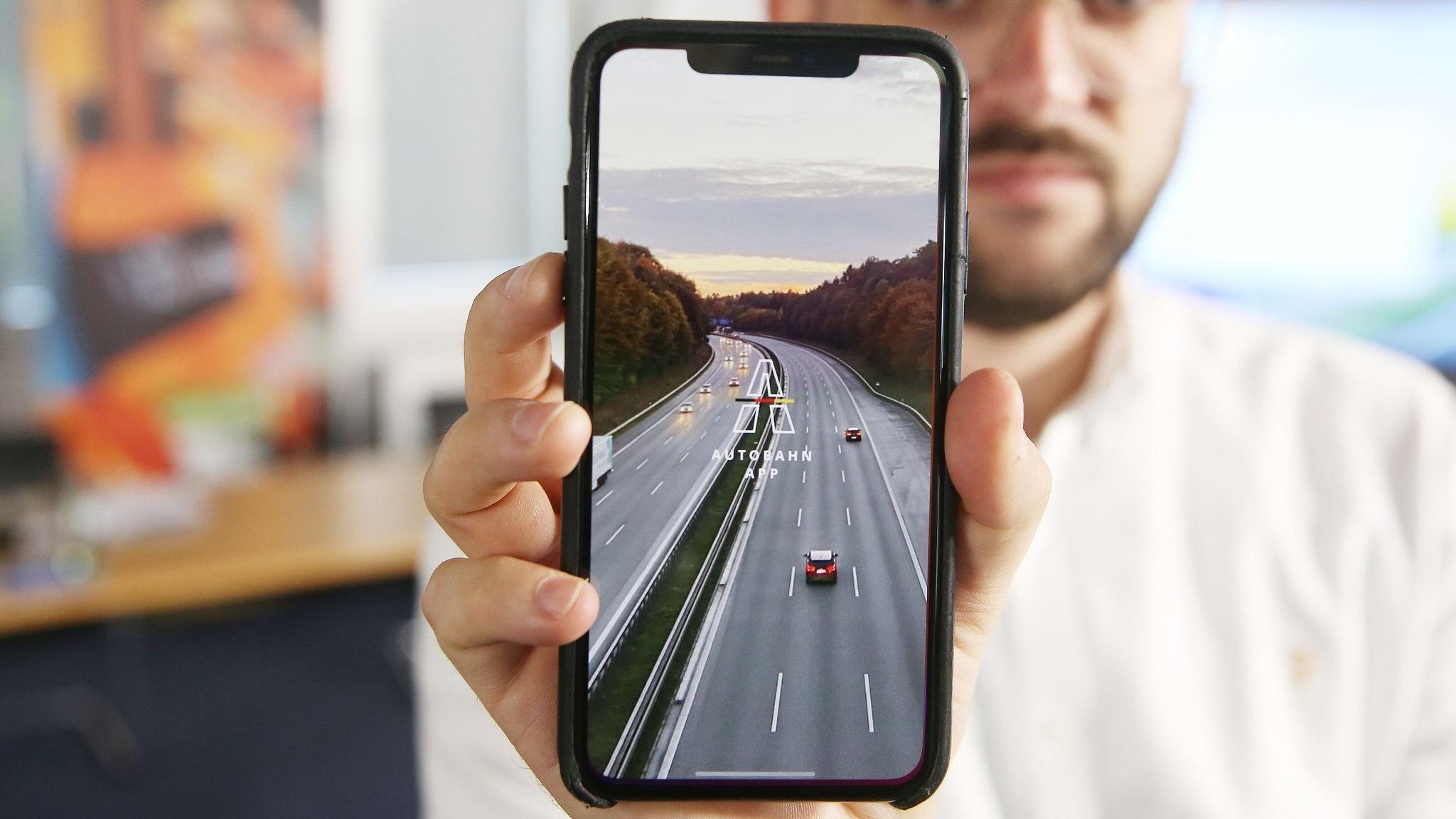 Die neue App der Autobahn GmbH des Bundes. Foto: dpa/Young