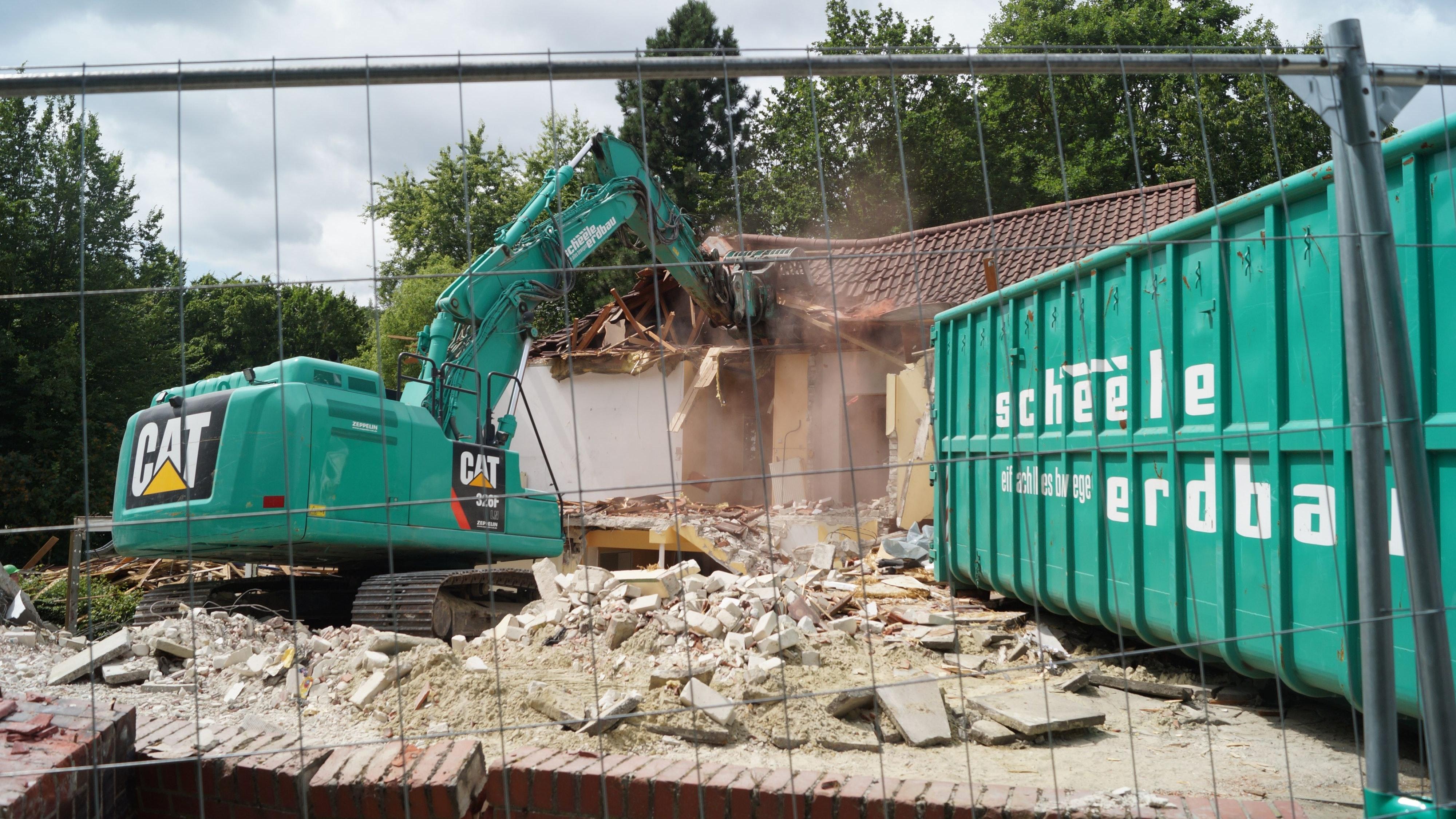 Nur noch Schutt: Seit einigen Tagen läuft der Abriss des Kindergartens St. Gorgonius in Goldenstedt: Foto: C. Meyer