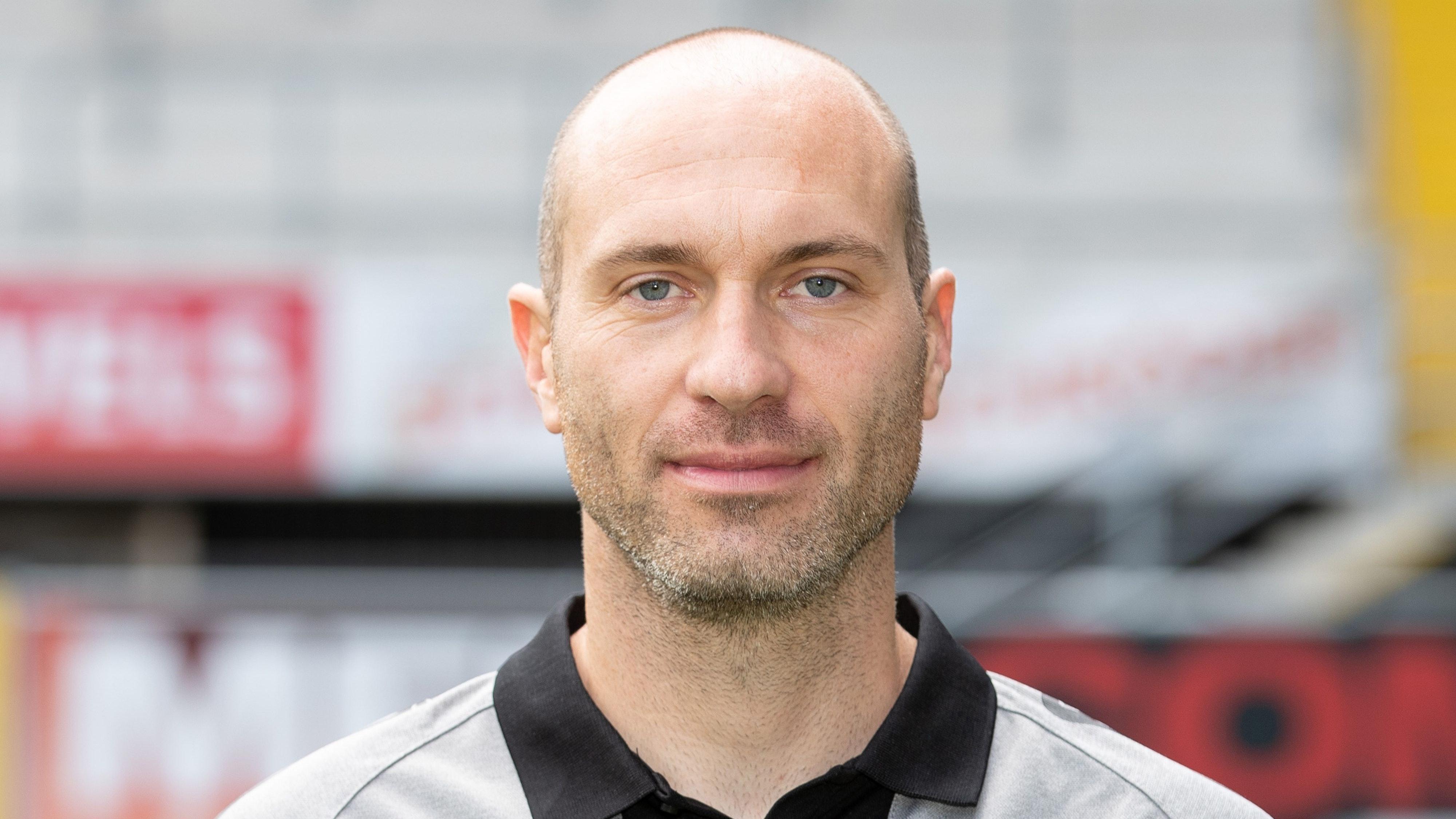 Der neue Trainer des VfL Osnabrück: Daniel Scherning soll den Umbruch managen. Foto: dpa/Gentsch