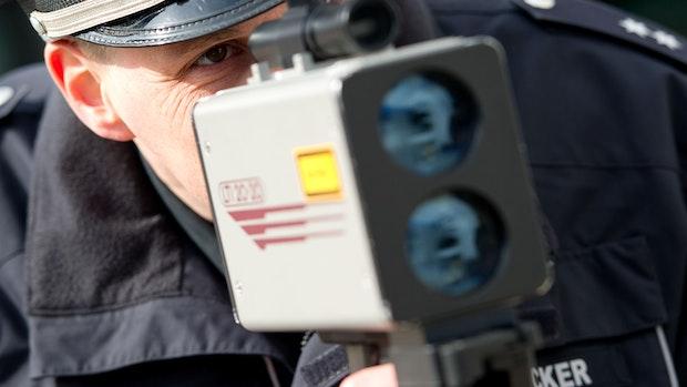 Laserkontrolle in Cloppenburg: Fahranfängerin muss Führerschein abgeben