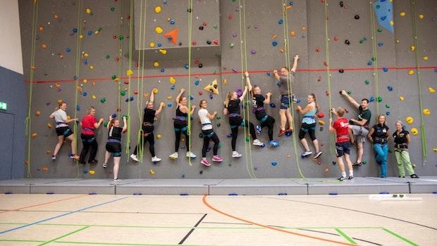 Ehrenamtliche absolvieren Kletterschulung in Visbek