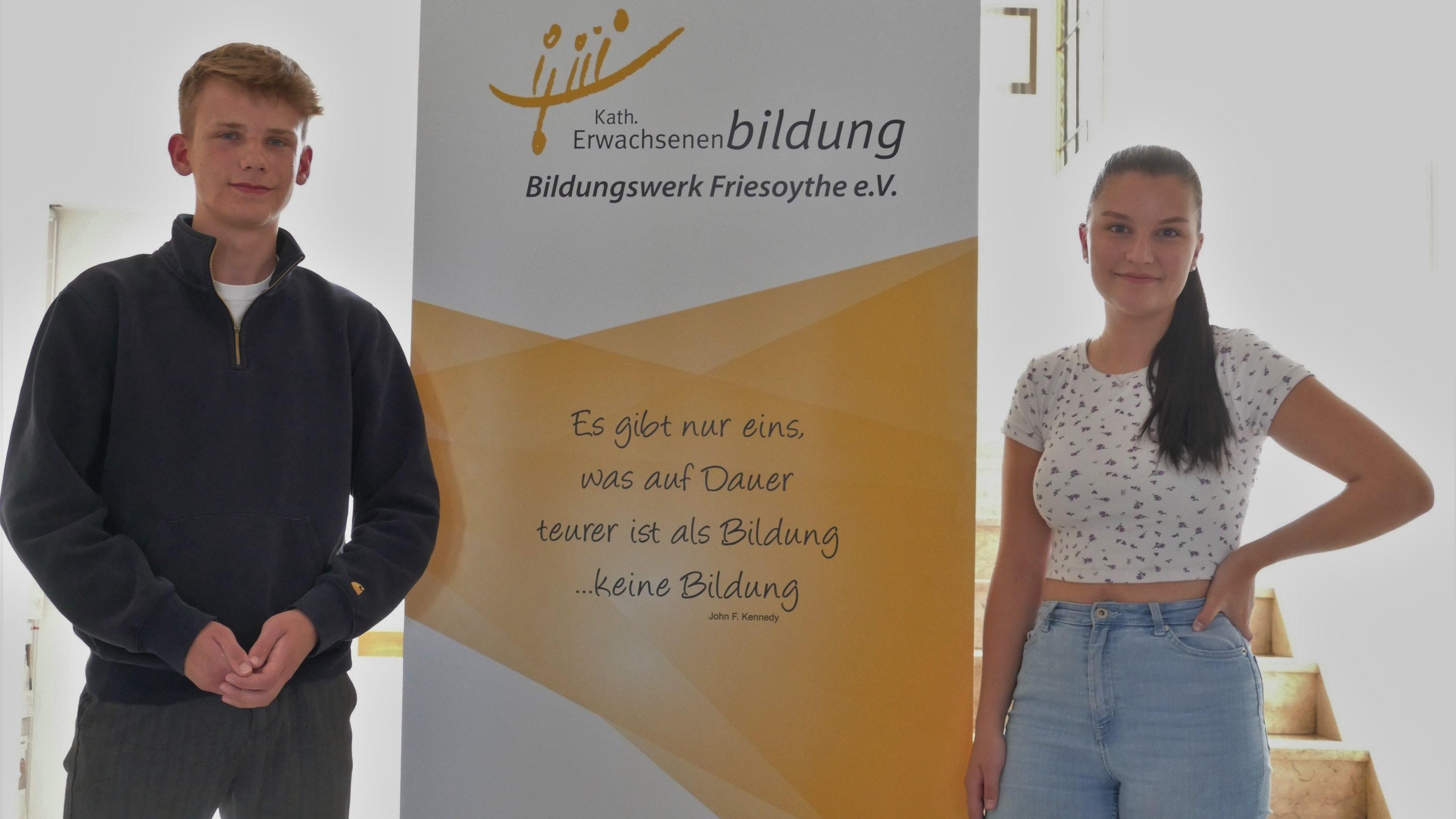 Malin Knelangen und Paul Lanwer organisieren gemeinsam mit Sönke Baumdick (nicht im Bild) eine Informationsreihe für junge Wählerinnen und Wähler zu den Kommunal- und Bundestagswahlen im September. Foto: Stix