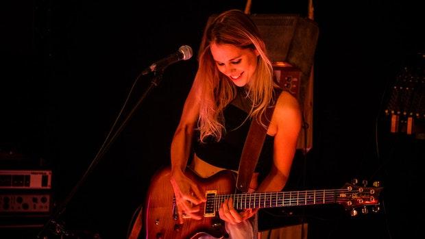 """She's a woman"": Musikerin Astrid Schöning erobert Lateinamerika"