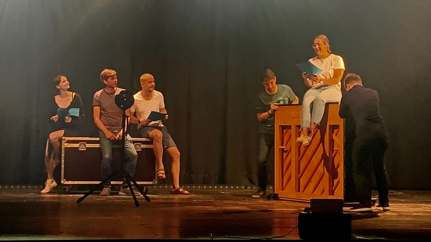 Konzentrierte Generalprobe: (von links)Carolin Schewe-Middendorf, Stefan Middendorf, Max Möhlmann, Johannes Vallo, Luisa Fangmann und Vincent Kaufmann. Foto: Stilkenböhmer