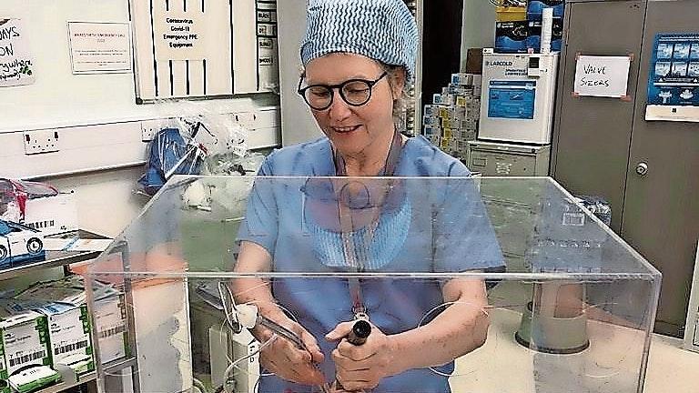 Ärztin in Wales: Dr. Ursula Bahlmann arbeitet als Anästhesistin in einem großen Klinikum.Foto: Bahlmann